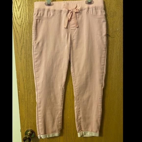 Pink No Boundaries Capri jeggings. Size M(7-9)